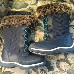 Girls sz 2 LL bean winter snow boots